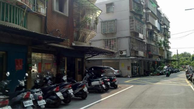 A93光華國小好停車一樓,新北市新莊區民安西路