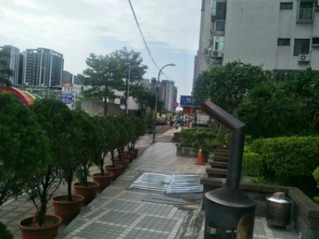 C224親水公園店面,新北市新莊區中華路二段
